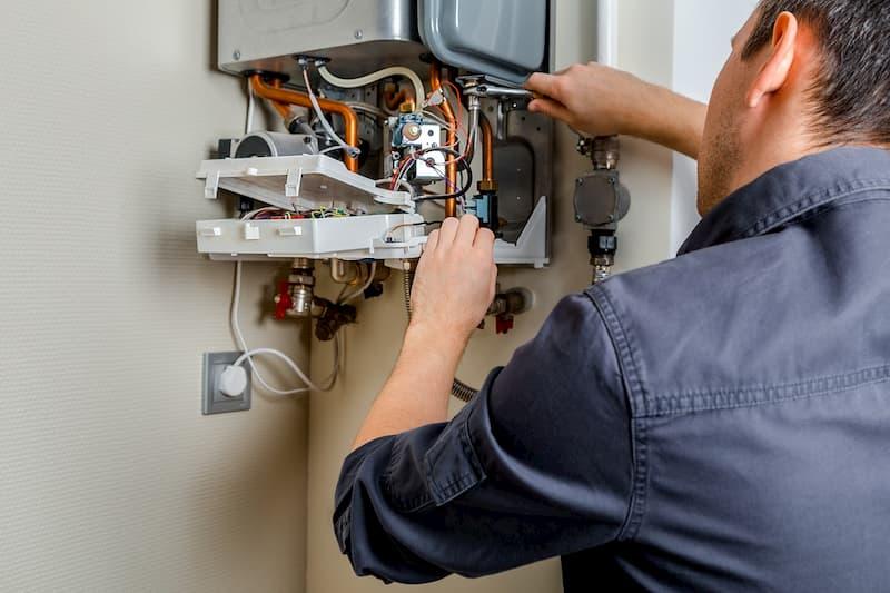 Обслуживание и ремонт газовых котлов – обязательная составляющая долговечности техники